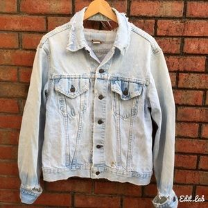 Vtg LEVI'S  Distressed Denim Jacket Size S
